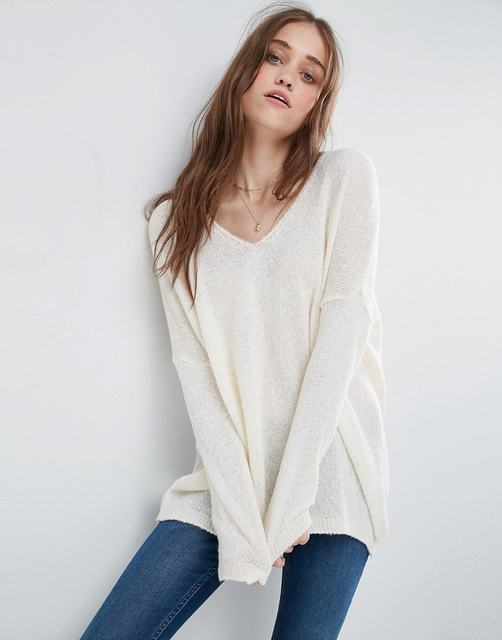 SL1340 Ex Chainstore Sheer Knit Jumper With V Neck - Ivory x22