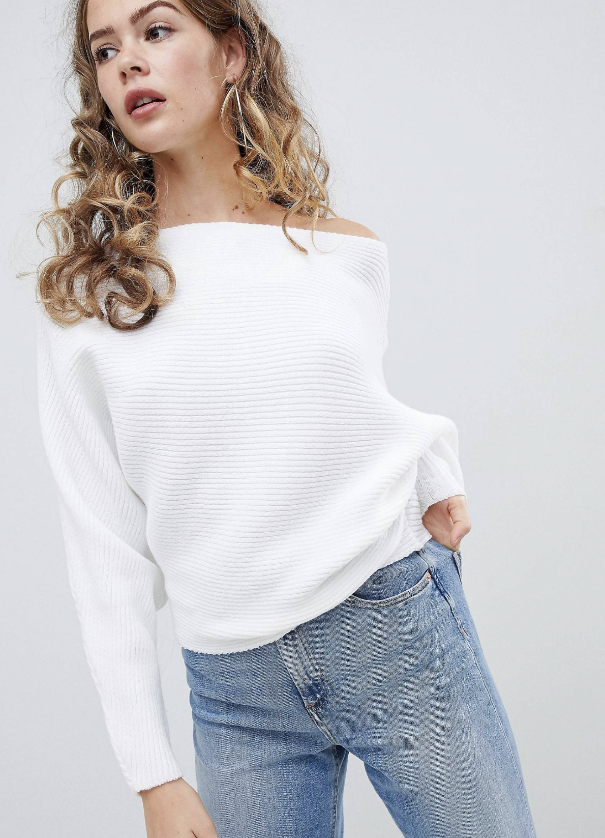 SL1375 Ex Chainstore Off Shoulder Oversize Ripple Jumper x15