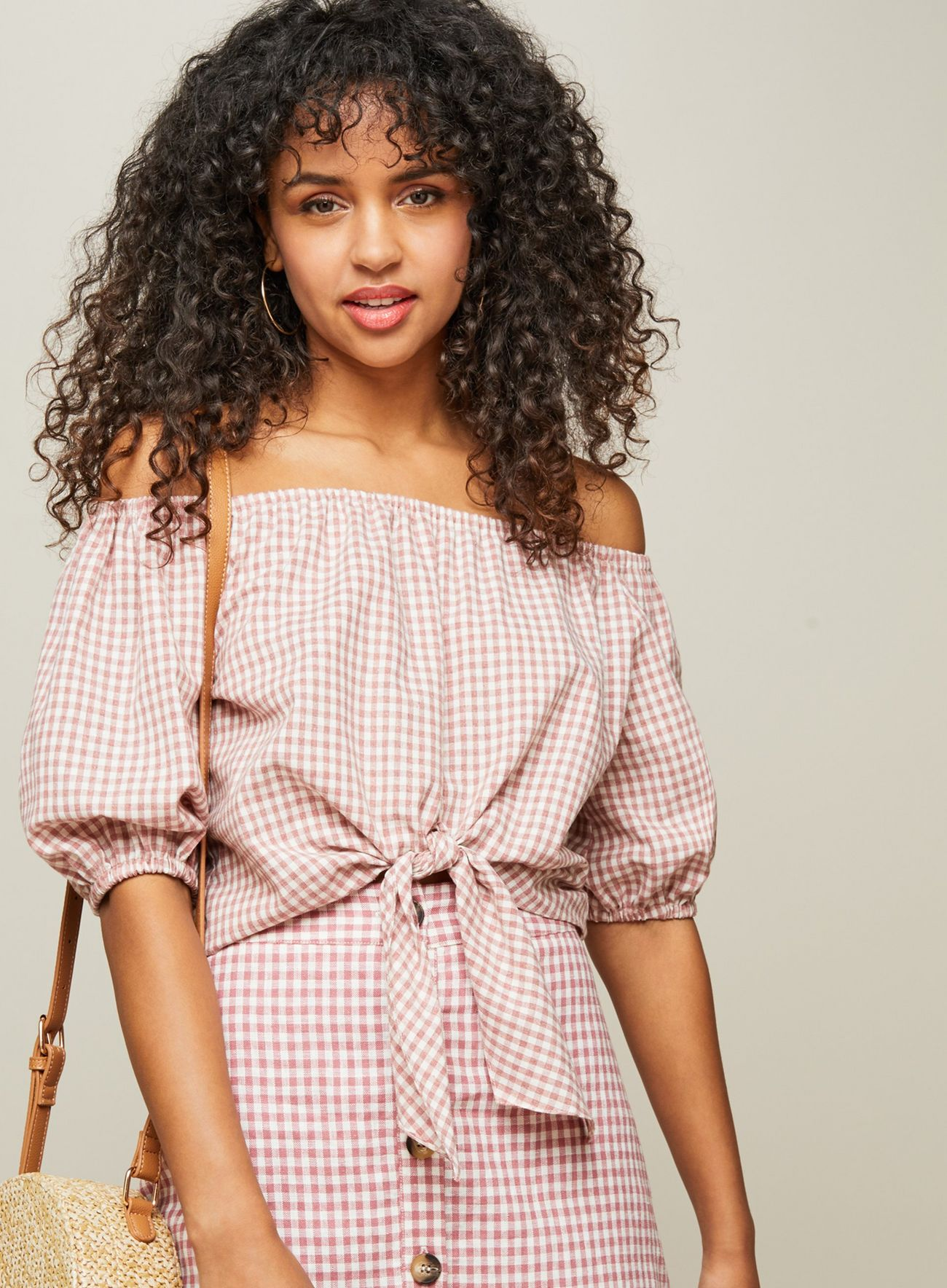 SL1415 Ex Chainstore Linen Gingham Tie Front Bardot Top x12