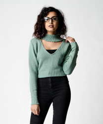 SL1054 Ex Chainstore Cropped Choker Jumper - Green x12